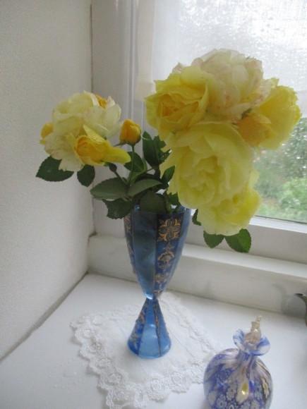 飾ったお花と煮て置いたお林檎で作ったアップルパイ_a0279743_19205403.jpg