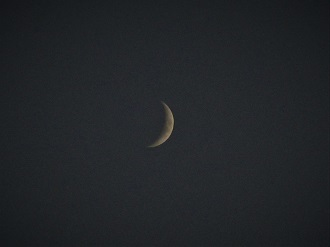 細い月と金星_e0175370_10360939.jpg