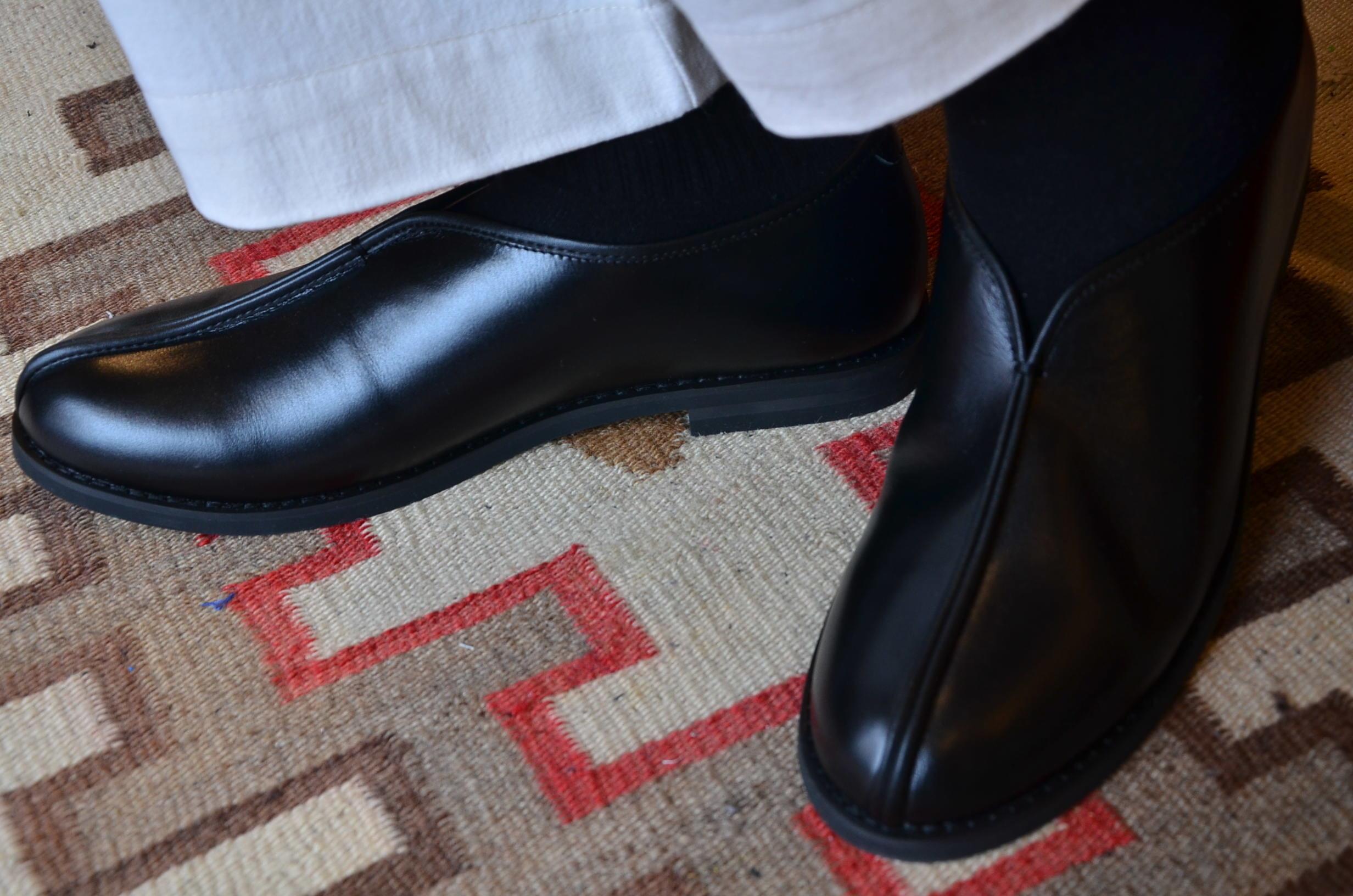 シーンを選ばずいつでも履ける、革靴です。_c0167336_19444175.jpg