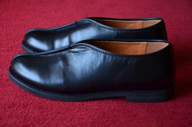 シーンを選ばずいつでも履ける、革靴です。_c0167336_19444272.jpg