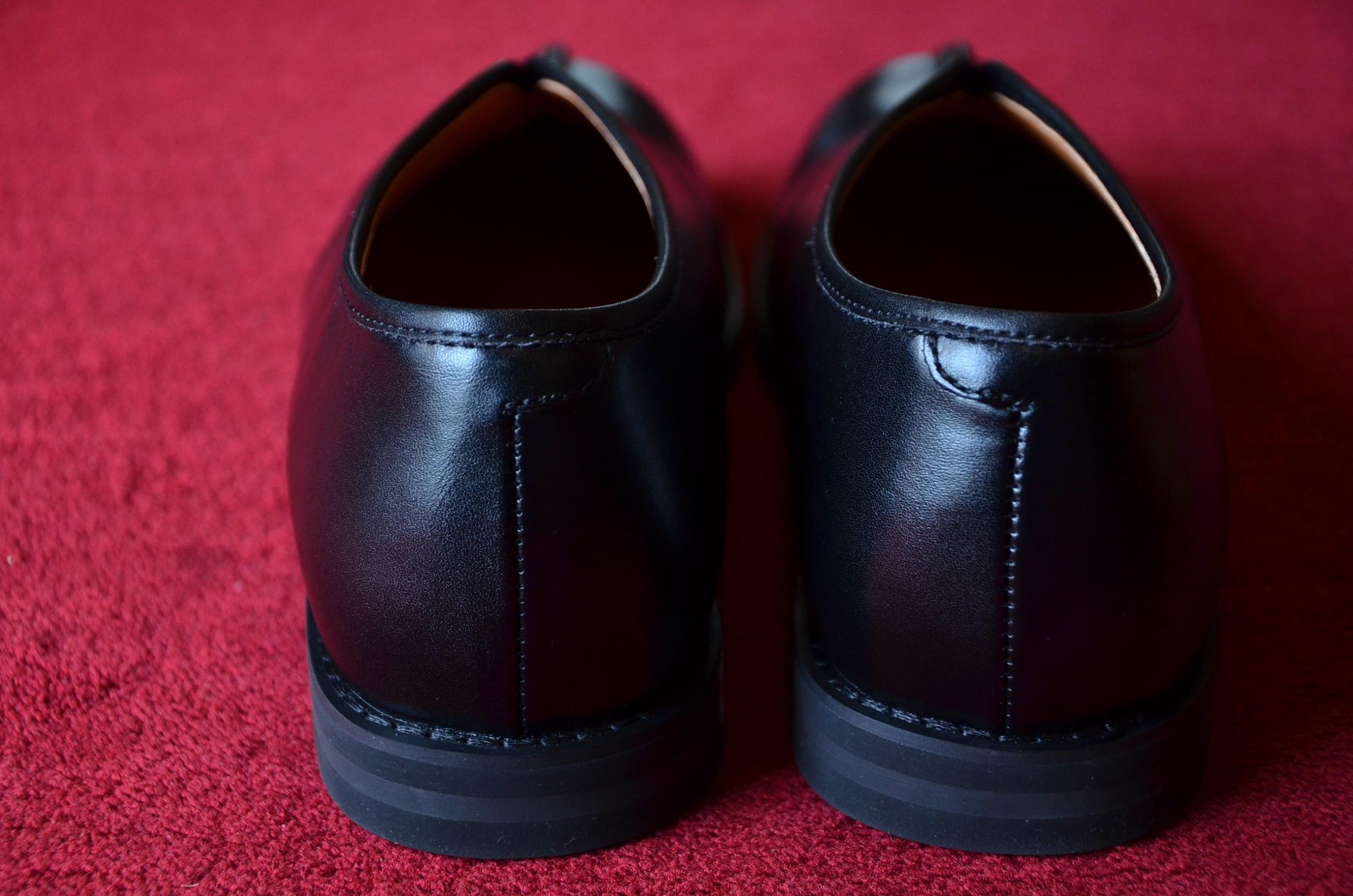 シーンを選ばずいつでも履ける、革靴です。_c0167336_19444274.jpg