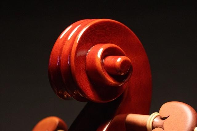 新作ヴァイオリン 動画と写真でご紹介します。_d0047461_14371551.jpg
