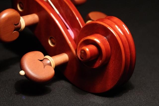 新作ヴァイオリン 動画と写真でご紹介します。_d0047461_14371628.jpg