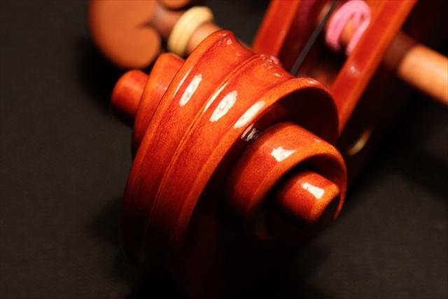 新作ヴァイオリン 動画と写真でご紹介します。_d0047461_14371686.jpg
