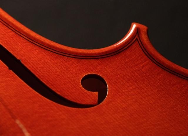 新作ヴァイオリン 動画と写真でご紹介します。_d0047461_14374449.jpg