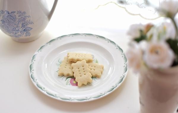 あれこれアレルギーのキャロでも食べられるLauraのお菓子_d0025294_19400636.jpg