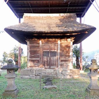 会津で蒲生秀行廟をみつけました。_c0195909_12225082.jpg