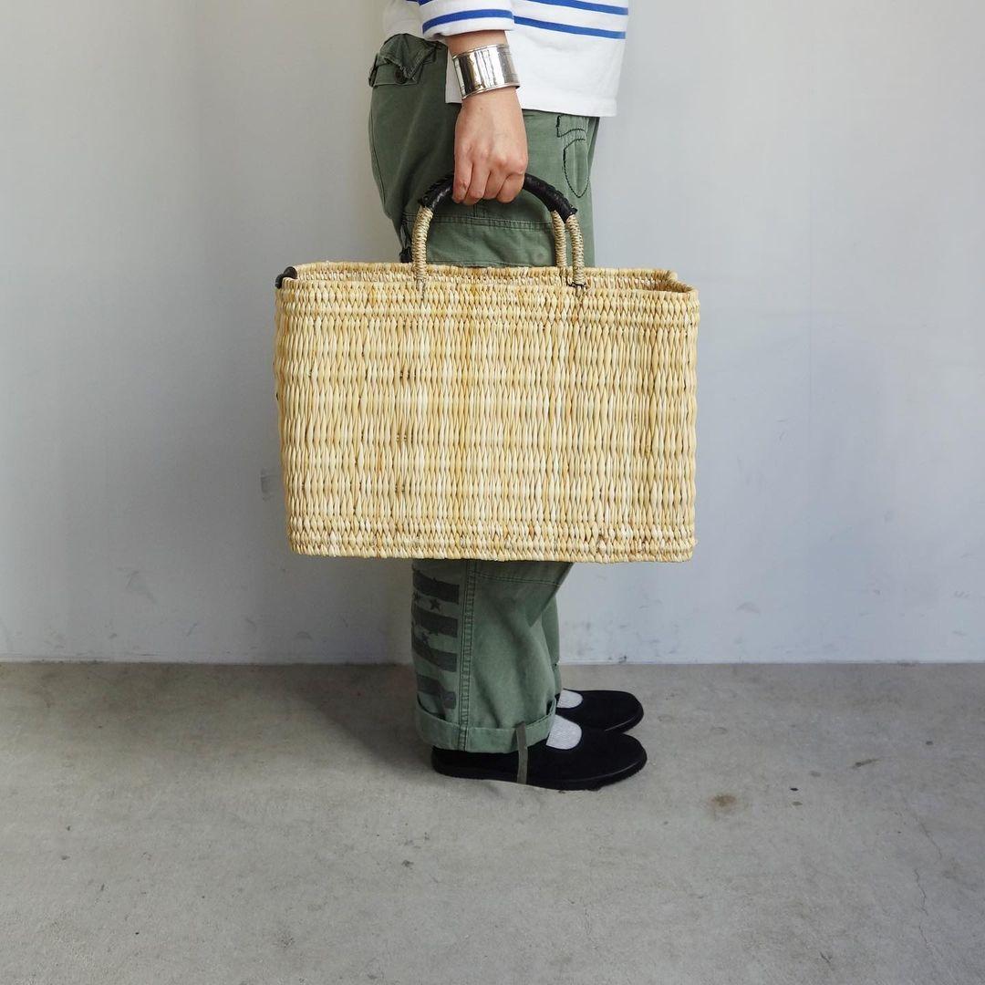 warang wayan : straw basket tall_a0234452_13252086.jpg
