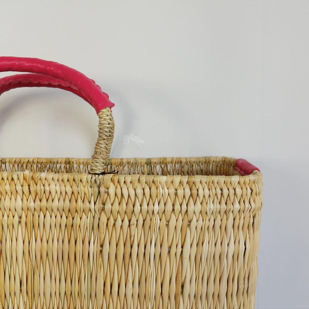 warang wayan : straw basket tall_a0234452_13254395.jpg