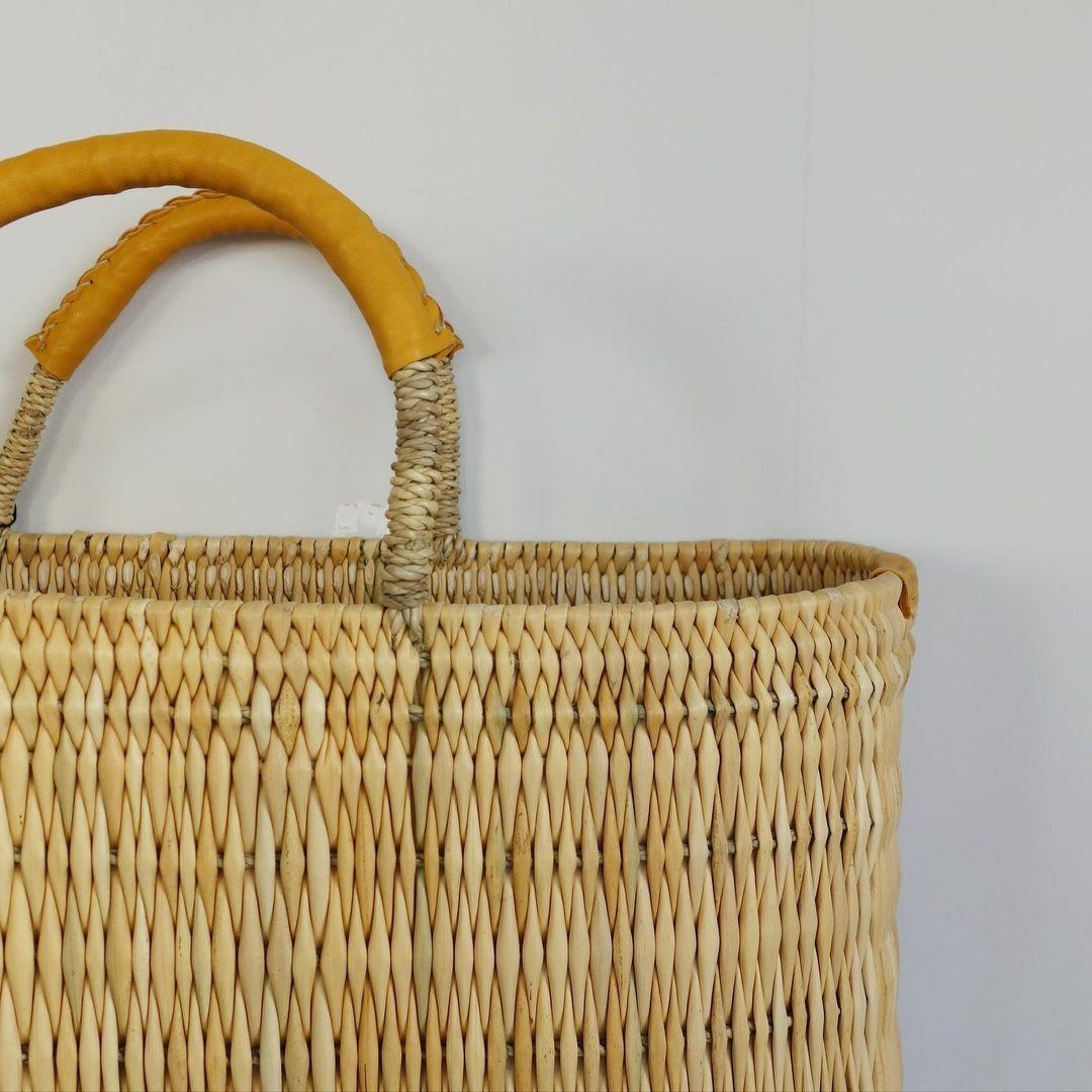 warang wayan : straw basket tall_a0234452_13255105.jpg