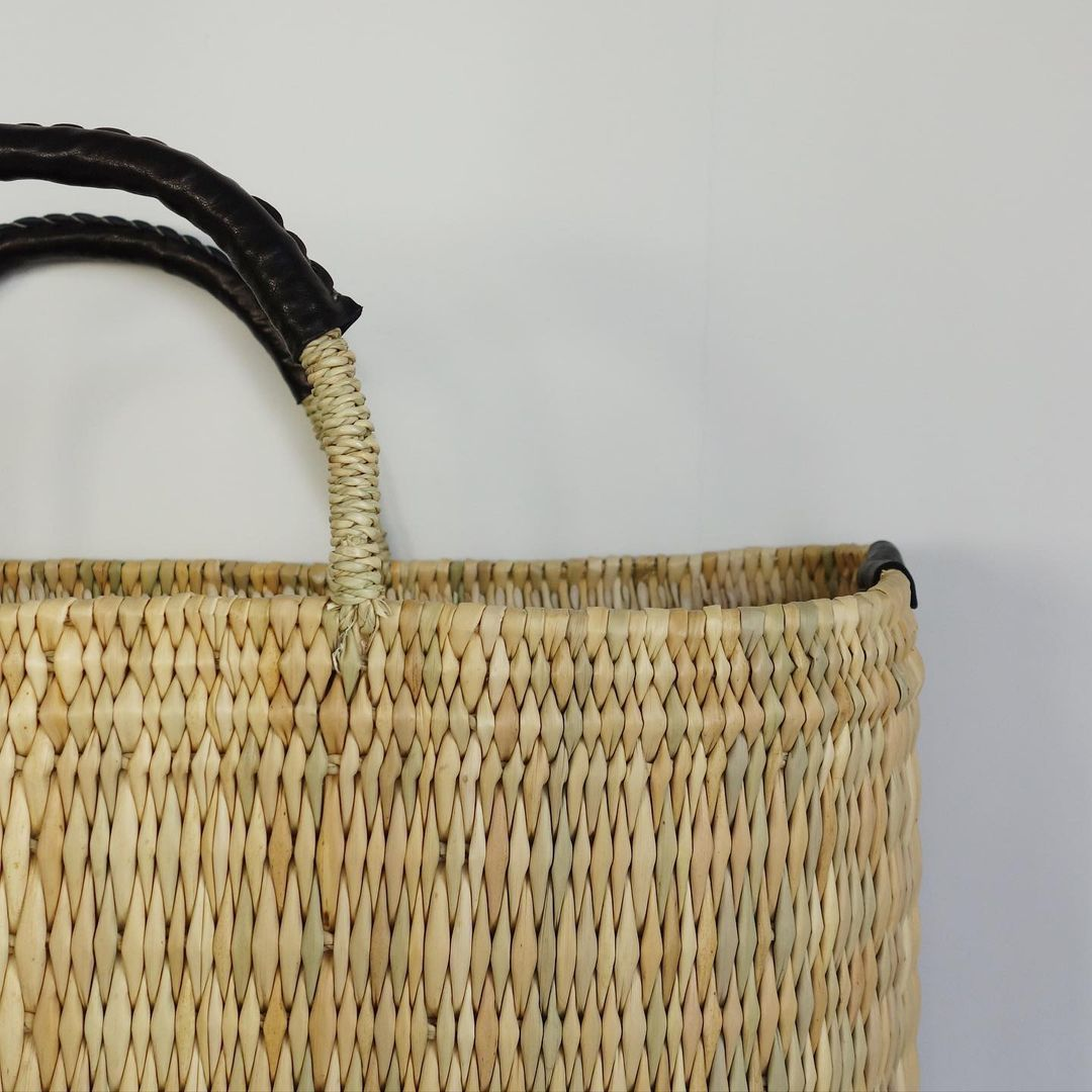 warang wayan : straw basket tall_a0234452_13255605.jpg
