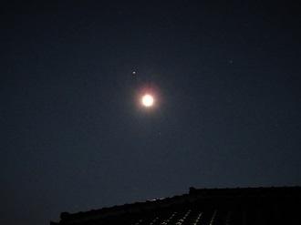 秋の夜空の月と木星_e0175370_14052772.jpg