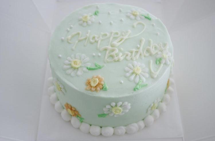 バタークリームベースのバースデーケーキ_d0339705_07502762.jpg