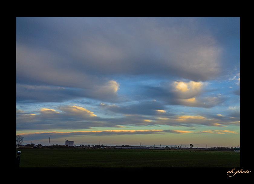 晩秋の流れゆく雲_b0181889_04140053.jpg
