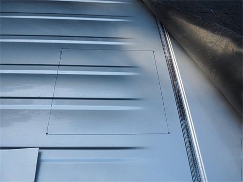 【NV350キャラバン】 キャンピングカーへの道[7] マックスファンの取り付け_a0282620_14310004.jpg