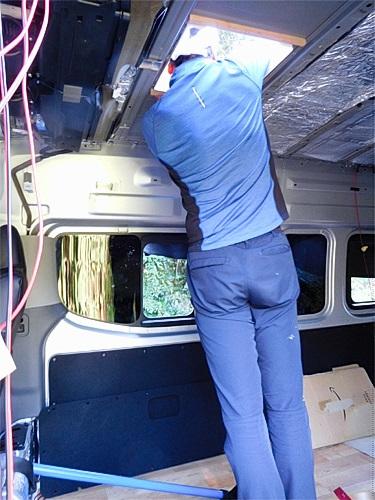 【NV350キャラバン】 キャンピングカーへの道[7] マックスファンの取り付け_a0282620_14321457.jpg