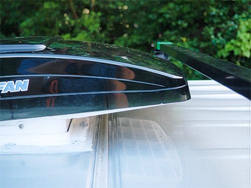 【NV350キャラバン】 キャンピングカーへの道[7] マックスファンの取り付け_a0282620_14322116.jpg