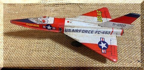 ブリキの戦闘機。_e0054438_16201088.jpg