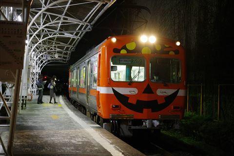10/14 鉄道の日は夜の岳南富士岡へ。_e0094492_20143194.jpg