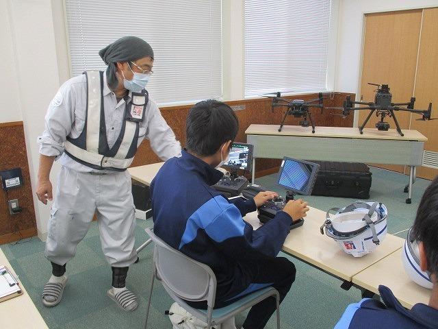 富士高の1年生がキャリア教育の一環でOBが社長を務める㈱イーシーセンターさんを企業訪問_f0141310_05481667.jpg