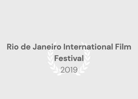 """◤ドキュメンタリー映画に出演◢ ブラジル、リオの映画祭公式作品""""30 Dias – Um carnaval entre a alegria e a desilusão""""_b0032617_17242218.jpg"""