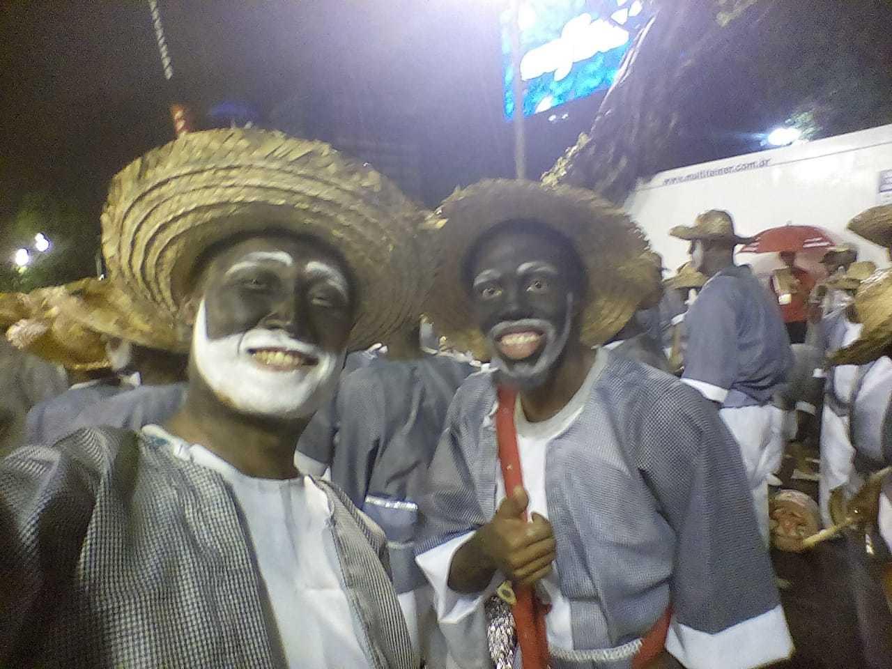 """◤ドキュメンタリー映画に出演◢ ブラジル、リオの映画祭公式作品""""30 Dias – Um carnaval entre a alegria e a desilusão""""_b0032617_22224184.jpg"""