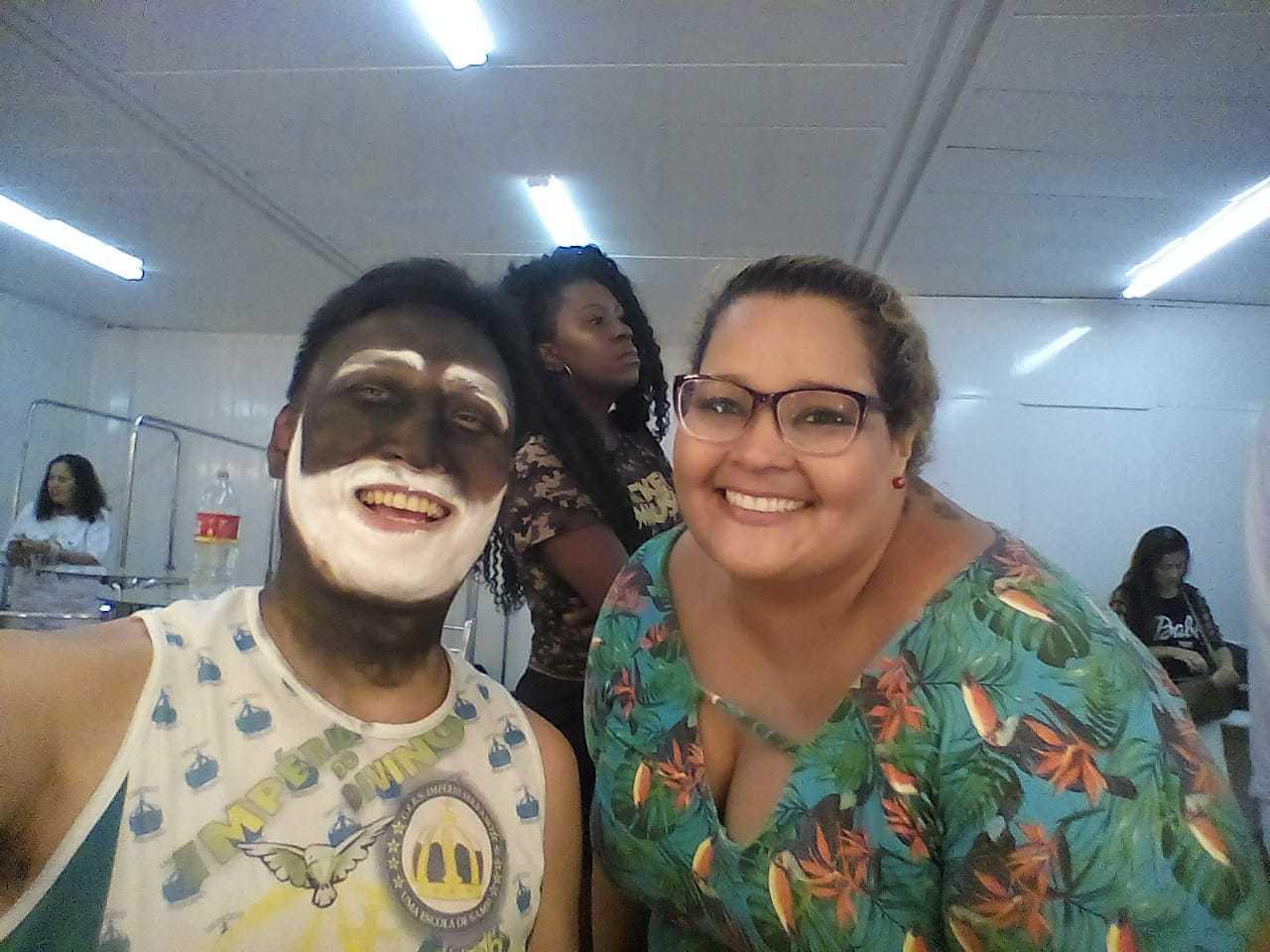 """◤ドキュメンタリー映画に出演◢ ブラジル、リオの映画祭公式作品""""30 Dias – Um carnaval entre a alegria e a desilusão""""_b0032617_22230223.jpg"""