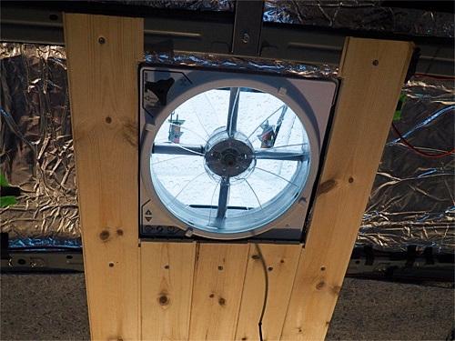 【NV350キャラバン】 キャンピングカーへの道[8] 天井と横壁の羽目板貼り_a0282620_21452352.jpg