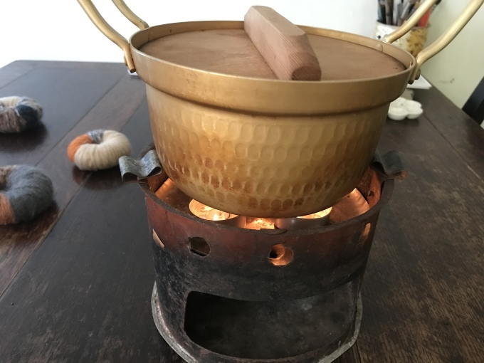 ロウソクで煮炊きする練習をしておく - 糸巻きパレットガーデン